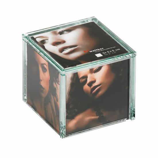 Cadre cinq photos 5x5cm en verre épais à poser
