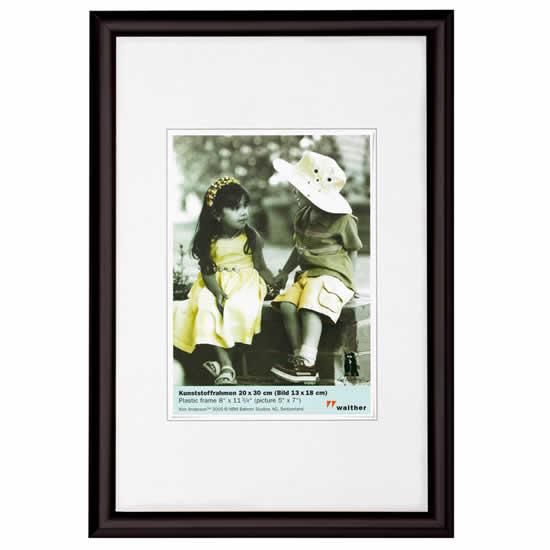 Cadre photo noir 40x50 trendstyle walther for Cadre photo numerique mural